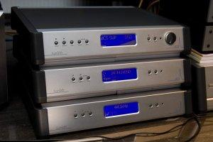 """""""CD player"""" dCS Scarlatti com DAC, Upsampler, Clock e Transporte à direita"""